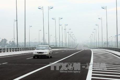 Làm đường cao tốc Tuyên Quang - Phú Thọ kết nối cao tốc Nội Bài - Lào Cai