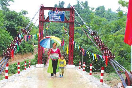 Xây dựng hơn 4.000 cầu dân sinh vùng dân tộc thiểu số