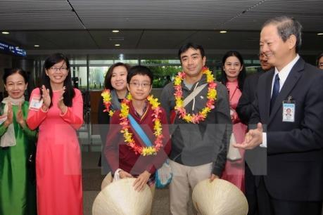 Thành phố Hồ Chí Minh đón đoàn khách du lịch quốc tế đầu tiên năm 2016