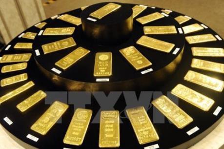 Vàng châu Á giảm giá nhẹ khi thị trường chứng khoán đi xuống