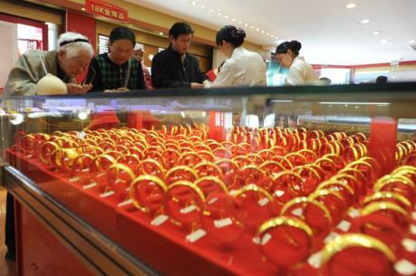 Giá vàng châu Á vẫn tiếp tục tăng