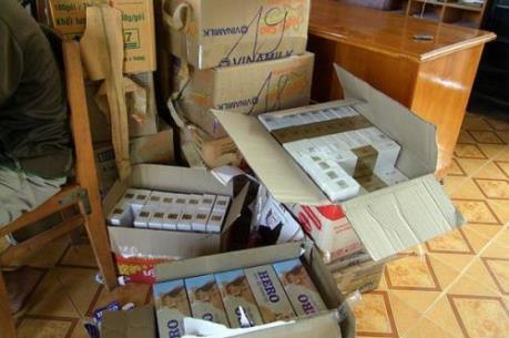 Truy tìm chủ sở hữu xe tải chở 95.000 bao thuốc lá nhập lậu
