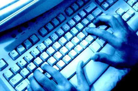 Khởi tố nữ quái dùng facebook bán hàng chiếm đoạt gần 300 triệu đồng
