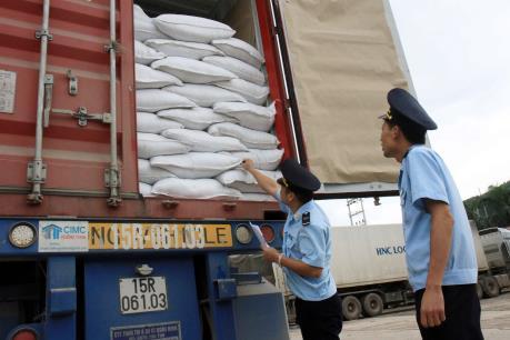 Lập chốt kiểm tra chuyên ngành tại Cửa khẩu Tân Thanh