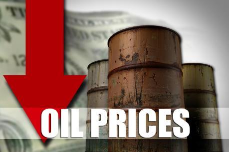 Giá dầu thế giới tiếp tục giảm sâu