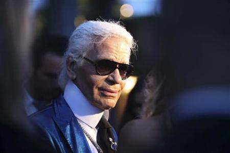 """""""Phù thủy thời trang"""" Karl Lagerfeld bị nghi gian lận 20 triệu euro tiền thuế"""