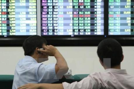 VN-Index giảm hơn 6 điểm do thông tin từ thị trường chứng khoán Trung Quốc,