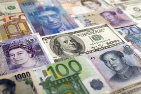 """Bắc Kinh dừng cơ chế """"tự ngắt"""", USD giành lợi thế so với đồng yen Nhật"""