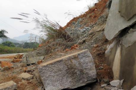 Quốc lộ 37 đoạn qua Tuyên Quang bị lở nghiêm trọng