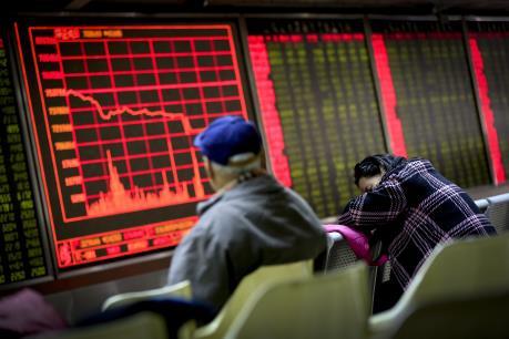 Bắc Kinh tiếp tục nâng giá đồng NDT, chứng khoán Trung Quốc đi xuống