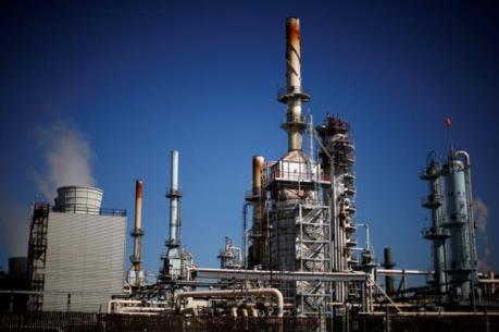 Giá dầu giảm hơn 2% vì yếu tố Trung Quốc