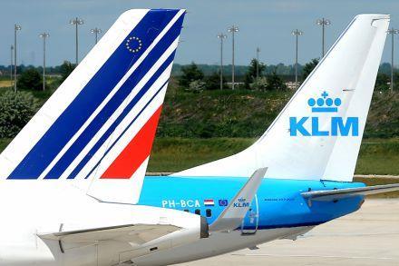 Doanh thu của Air France-KLM bị ảnh hưởng nặng nề sau loạt vụ khủng bố ở Paris