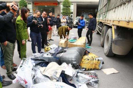 Hà Nội: Thu giữ khoảng 20 tấn hàng hóa các loại không rõ nguồn gốc