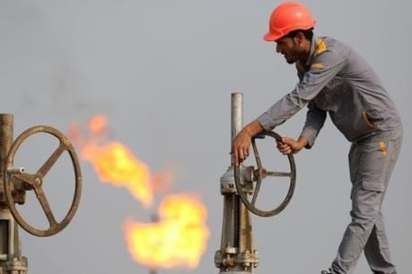 """""""Vàng đen"""" mất giá, hàng loạt đại gia dầu mỏ cắt giảm nhân sự"""