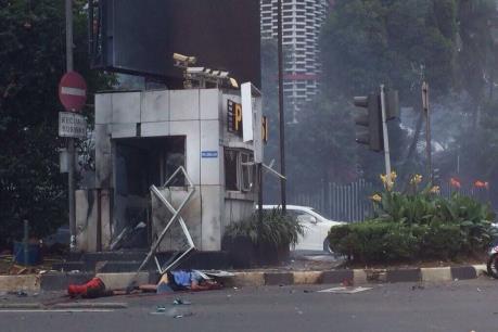 Tin mới vụ khủng bố ở Jakarta: Ít nhất 7 người thiệt mạng