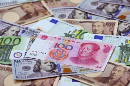 Đồng yen tăng giá do lo ngại trên thị trường tài chính