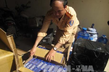 Bắt giữ nhiều vụ vận chuyển và buôn bán lượng lớn thuốc lá, xì gà nhập lậu