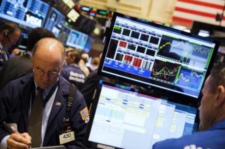 Chứng khoán Mỹ phục hồi nhờ nhóm cổ phiếu dầu mỏ và công nghệ