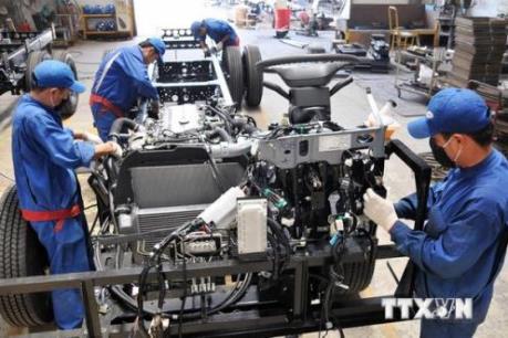 Doanh nghiệp FDI đồng loạt tăng lương tối thiểu vùng