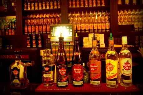 """Mỹ """"bật đèn xanh"""" cho thương hiệu rượu rum Havana Club của Cuba"""
