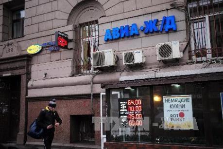 Chứng khoán Nga và đồng ruble giảm giá mạnh do giá dầu