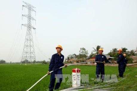 Dự án điện chậm tiến độ ảnh hưởng đến truyền tải và phân phối điện