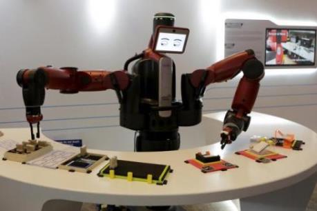 WEF cảnh báo nguy cơ mất 5 triệu việc làm do robot hóa
