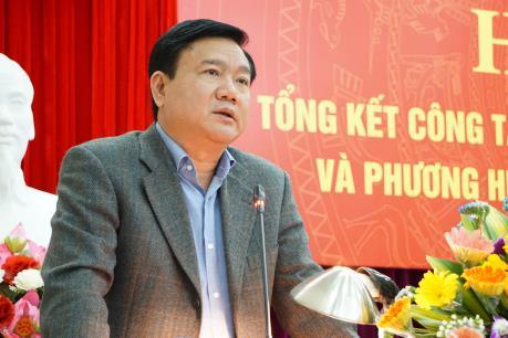 Bộ trưởng Đinh La Thăng yêu cầu tháo hết biển báo bất hợp lý