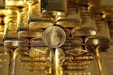 Đồng euro chịu sức ép lớn, giá vàng giảm