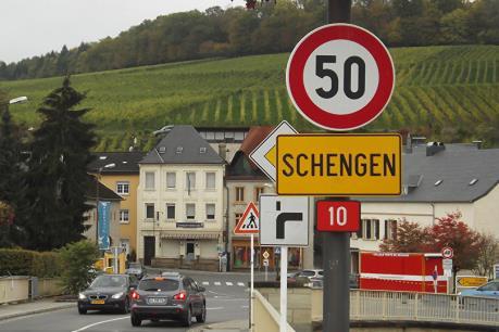EC cảnh báo nguy cơ khối Schengen tan rã