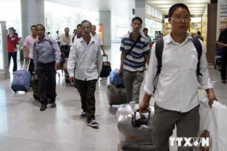 Xử phạt hành chính 4 người nước ngoài lợi dụng đi du lịch để kinh doanh trái phép