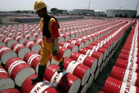 """Thị trường năng lượng """"lao dốc"""" tác động ra sao tới kinh tế toàn cầu?"""