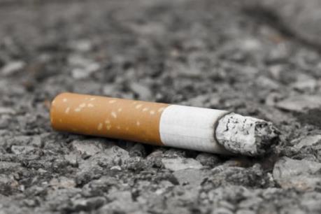 Italy phạt nặng hành vi vứt mẩu thuốc lá ra môi trường