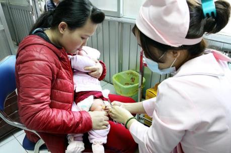 Thời tiết giao mùa, số trẻ nhập viện tăng cao