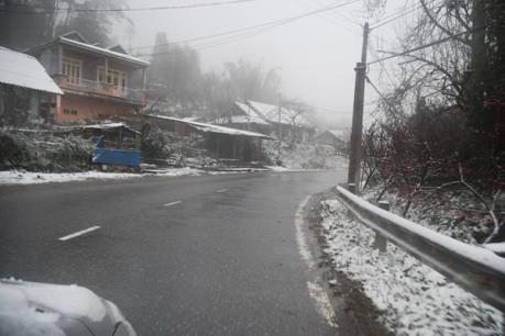 Sa Pa đang chìm trong tuyết trắng