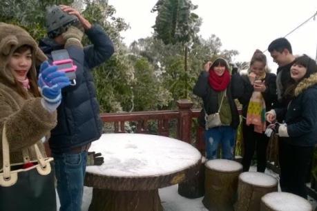 Hà Nội lần đầu tiên có tuyết rơi