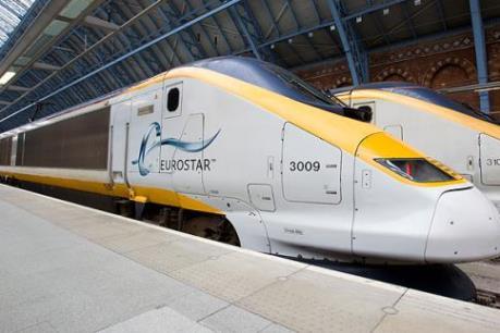 Tàu cao tốc Eurostar bị cháy, 700 hành khách mắc kẹt trên đường
