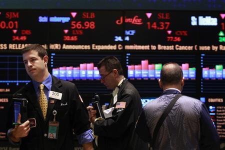 Chứng khoán Âu-Mỹ đỏ sàn vì giá dầu giảm