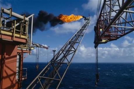 Giá dầu châu Á ngày 14/3 giảm do dư cung