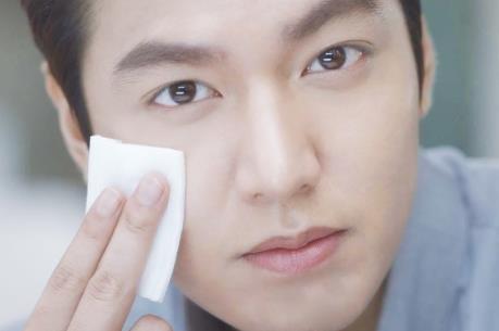 Phái mạnh Hàn Quốc vô địch thế giới về tiêu thụ mỹ phẩm