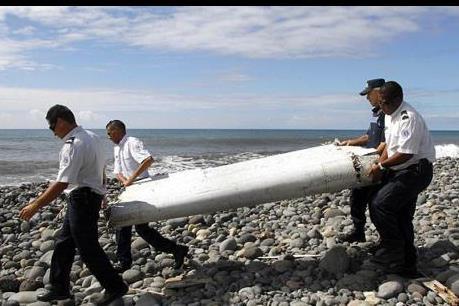 Vụ máy bay MH370 mất tích: Các mảnh vỡ mới tìm thấy được chuyển đến Australia và Pháp