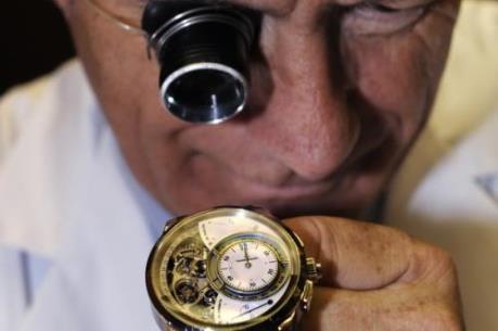 Xuất khẩu đồng hồ Thụy Sỹ sụt giảm trong năm 2015
