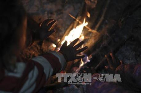 Cảnh báo ngộ độc khí do đốt than sưởi ấm