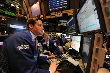 Chứng khoán Mỹ trượt giảm sau cuộc họp của Fed