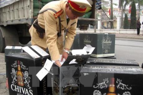 Vận chuyển rượu lậu từ Campuchia tăng mạnh trước Tết Nguyên đán