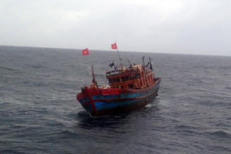 Bà Rịa-Vũng Tàu: Cứu kịp thời 6 thuyền viên gặp nạn trên biển