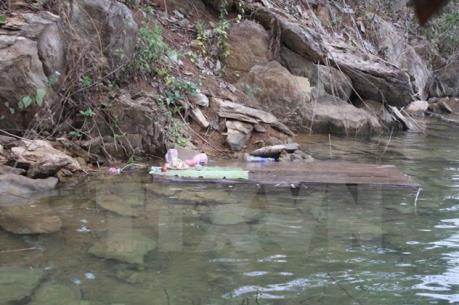 Vụ tai nạn lật thuyền ở Hà Tĩnh: Đã tìm thấy thi thể người mẹ
