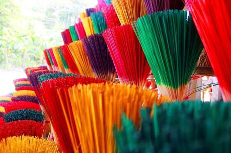 Dân Quyết Thắng khá giả nhờ nghề làm hương trầm
