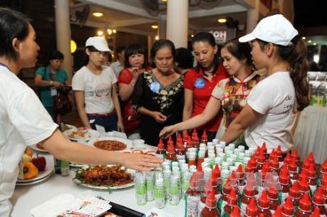 Doanh nghiệp và nhà bán lẻ đảm bảo cung ứng hàng Tết