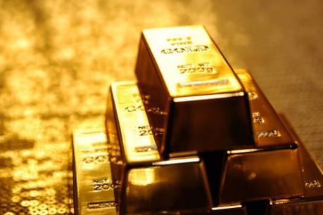 """Giá vàng châu Á áp sát mức """"đỉnh"""" của ba tuần"""